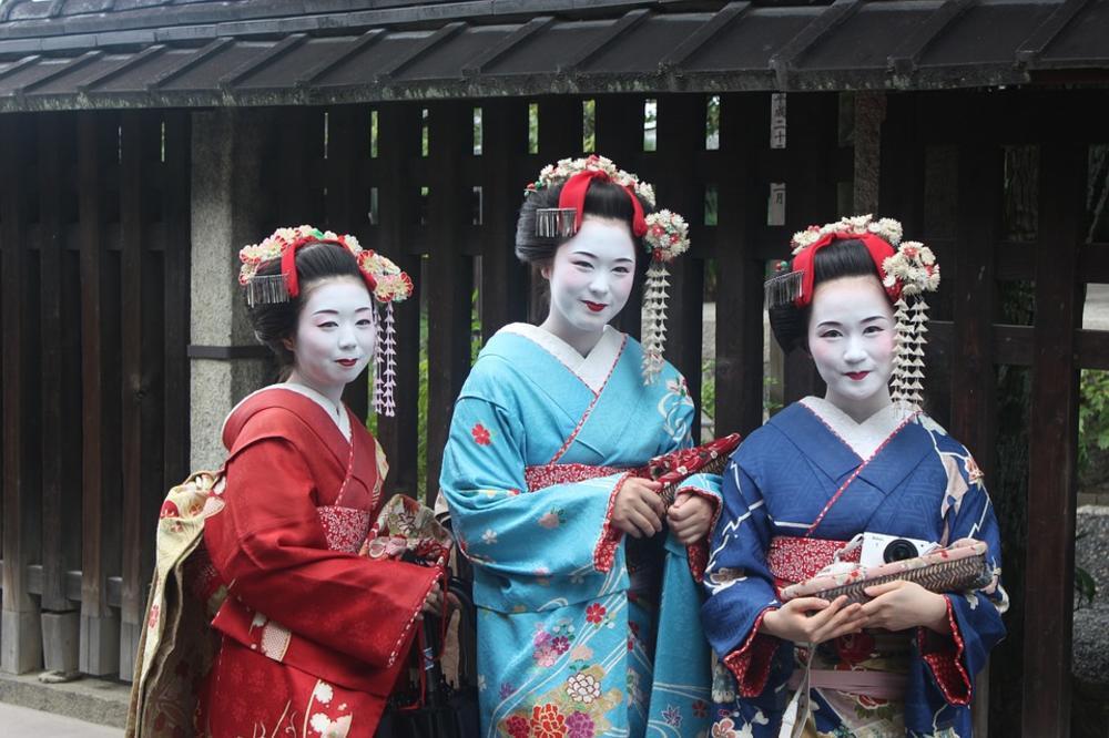 Japanske narodne poslovice i izreke   - Page 6 243960_geisha949978-960-720_ls