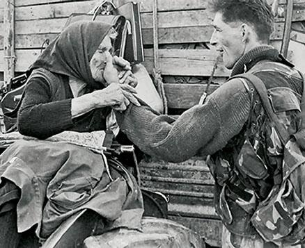 BRUTALNO-PONIZAVANJE-Hrvatski-vojnik-mucio-staricu-tokom-Oluje-vukao-je-za-nos-i-kosu-FOTO