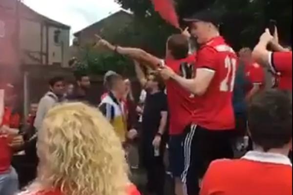 MEGAHIT! Matić je u Premijer ligi za Mančester odigrao samo jedan meč, a već je dobio pesmu od navijača! (VIDEO)