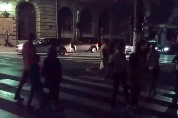U BEOGRADU OPŠTI HAOS, NA ULICAMA KOLAPS! Cela prestonica je u mraku! (VIDEO)