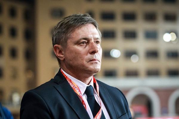 PIKSI NEĆE VODITI SRBIJU: Kinezi napravili od Stojkovića najplaćenijeg srpskog trenera ikada! Od silnih miliona nam se vrti u glavi!