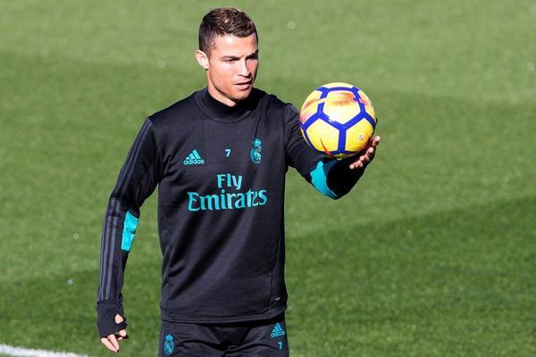 ZATO IZBEGAVAM DA ČITAM NOVINE: Ronaldo digao glas protiv kritičara, da li je ovo najava rata sa medijima?