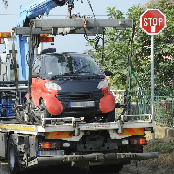 Pauk odneo Beograđanki auto SA BEBOM NA ZADNJEM SEDIŠTU! Dozivala sam ih, trčali smo za njima, ali oni su nastavili!