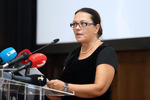 LJILJANA BLAGOJEVIĆ BESNA: Zbog velikog propusta Narodnog pozorišta oštro oplela po čelnicima te ustanove! (FOTO)