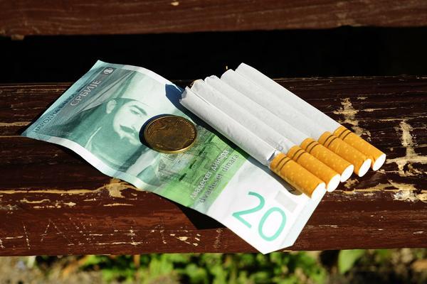 STIŽE NAM DUVANSKI DINAR! Šta to znači i da li će pušači proći dobro?