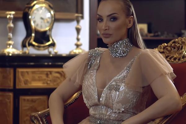 GOGA SEKULIĆ ZARADILA 100.000: Evo kako je pevačica to uspela! (VIDEO)