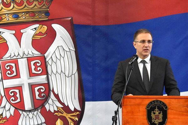 Nebojša Stefanović ima lepe vesti! PRIPADNICIMA BEZBEDNOSNIH SLUŽBI 10.000 DINARA!