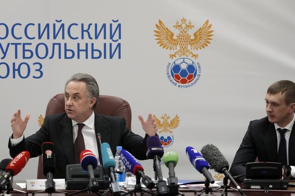 POVUKAO SE, ALI SAMO NA 6 MESECI: Mundijal je pred vratima, a Rusi ostali bez predsednika Fudbalskog saveza!