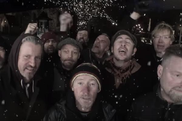 NORVEŠKI PANKERI PEVAJU DEDA MRAZE NA SRPSKOM: Dobili smo najlepši poklon ZA NOVU GODINU! (VIDEO)