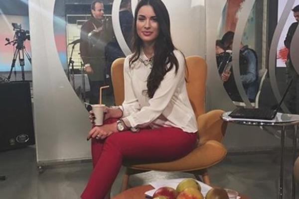 Voditeljka RTS je NAJLEPŠE LICE NA TV, ali o njenom privatnom životu malo se zna: Bila je misica, a onda je počela... (FOTO)