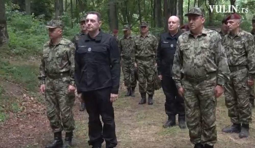 Ministar Vulin na obuci izviđača Kopnene vojske