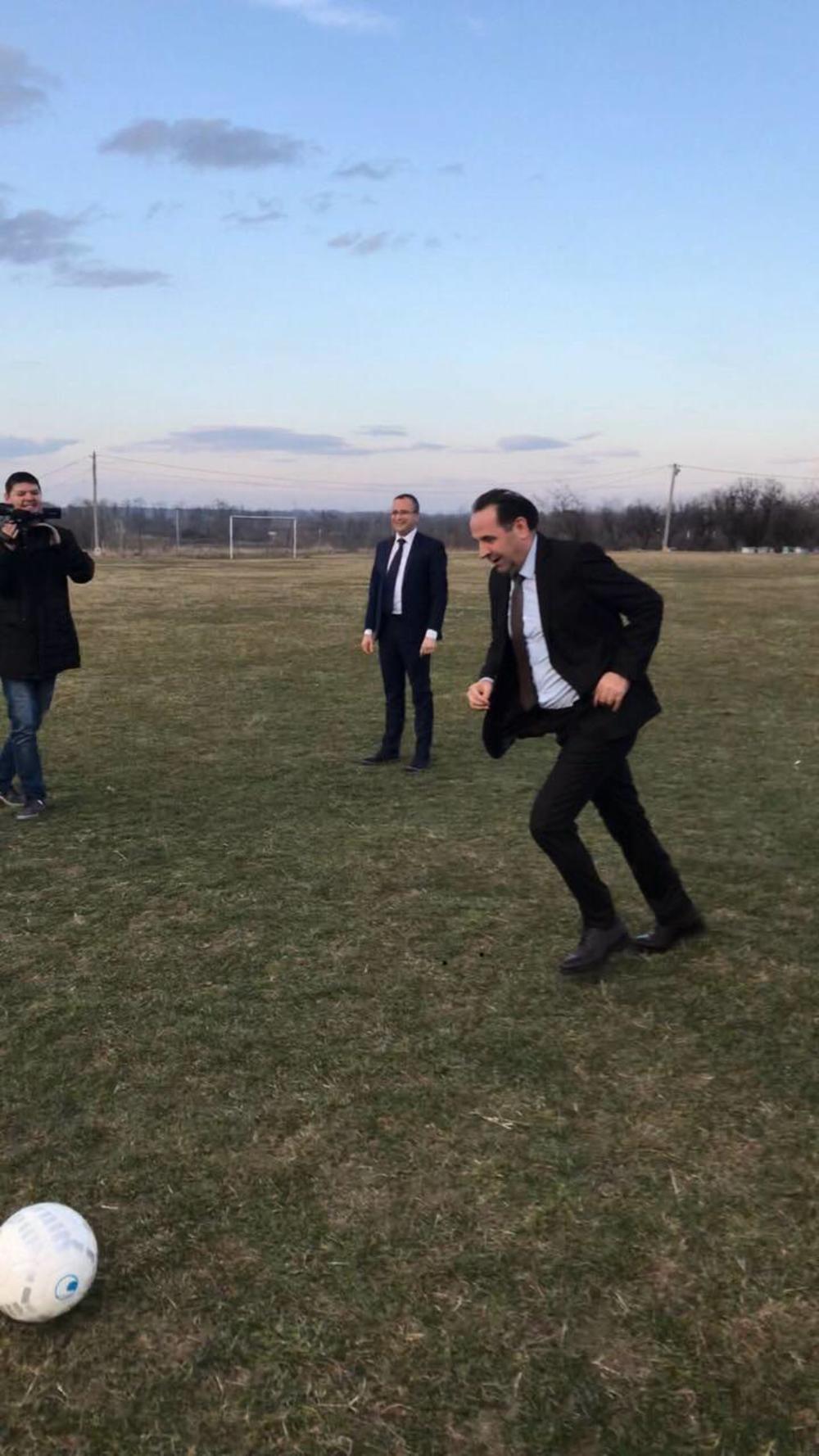 Rasim Ljajić igra fudbal