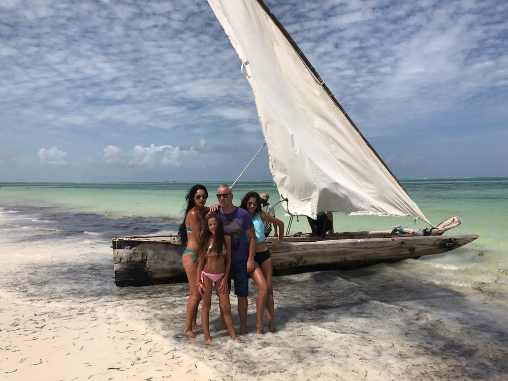 Saša Matić sa svojom porodicom na odmoru u egzotičnim predelima