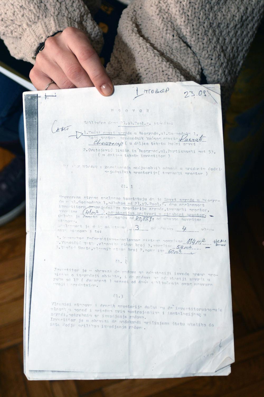Ugovor u kome piše da je Cvetojević tavanski prostor dobio od stanara bez novčane naknade