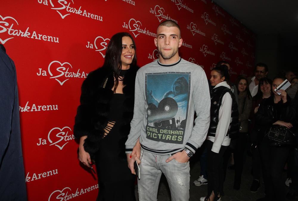 Veljko Ražnatović sa devojkom Bogdanom Rodić