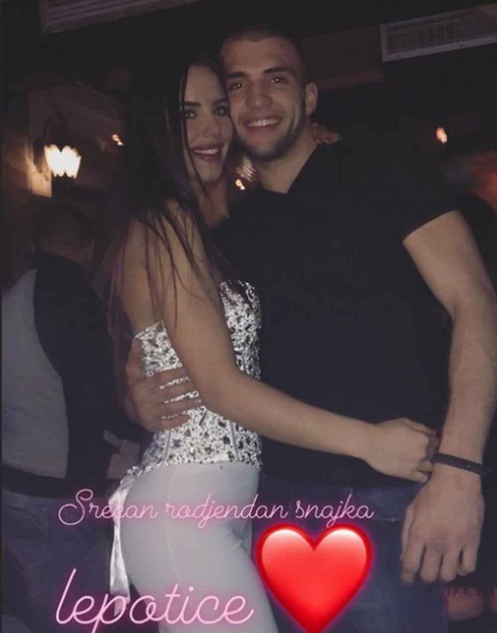 Veljko Ražnatović sa devojkom