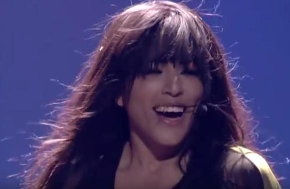 GDE-JE-NESTALA-DUGA-CRNA-KOSA-Kad-je-pobedila-na-Eurosongu-cela-Evropa-je-ODLEPILA-za-njom-a-sada-je-CELAVA-I-NEPREPOZNATLJIVA-FOTO