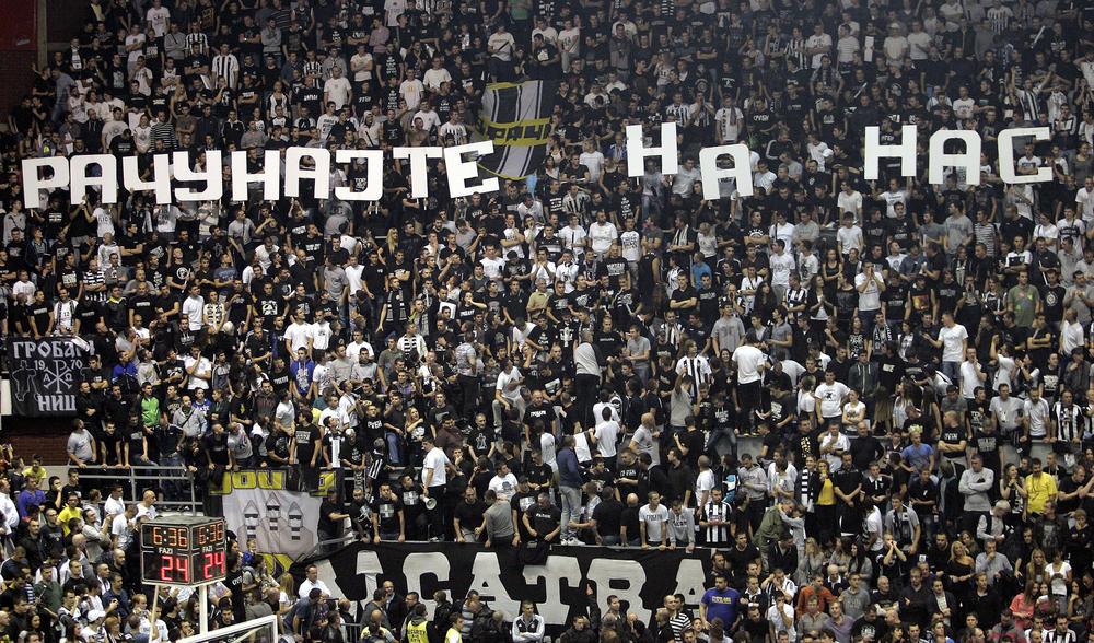GROBARI, SVI U PIONIR: Partizan poziva svoje navijače da ih