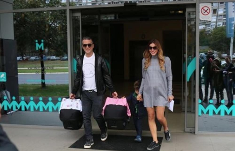 Jelena i Željko Joksimović, izlazak iz porodilišta