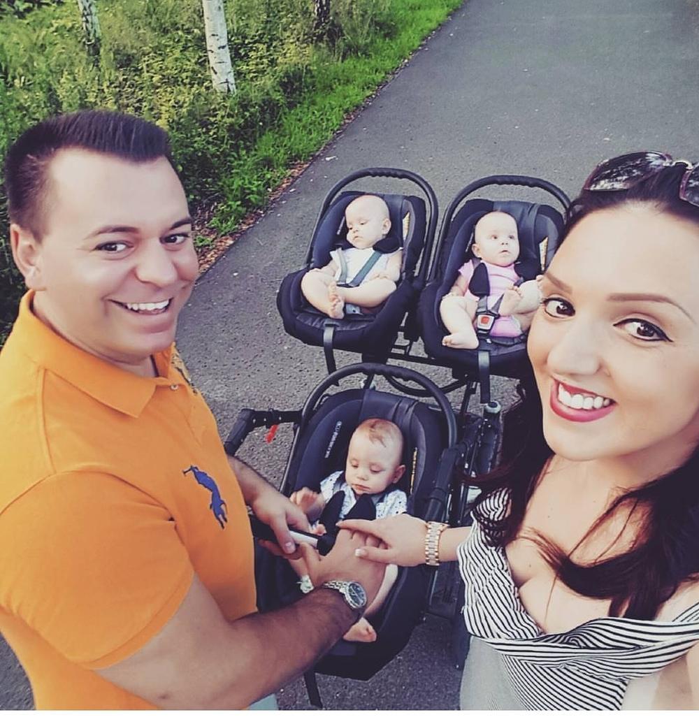 Srećna porodica uživa u Minhenu