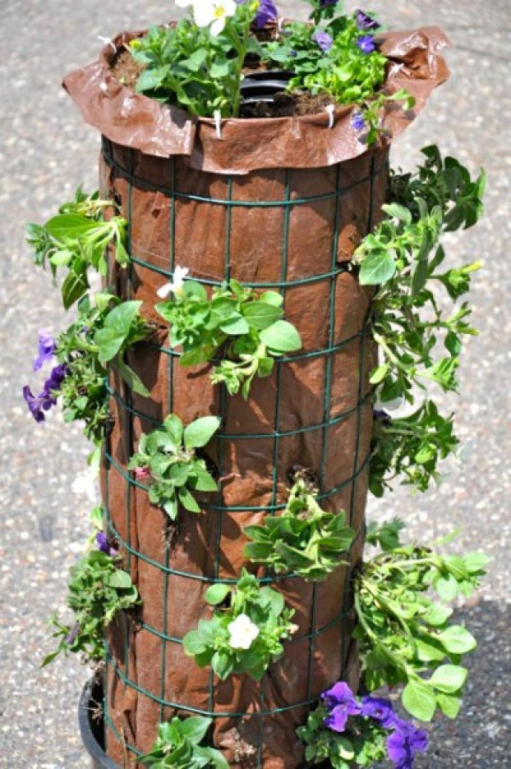 Resultado de imagem para diy flower tower