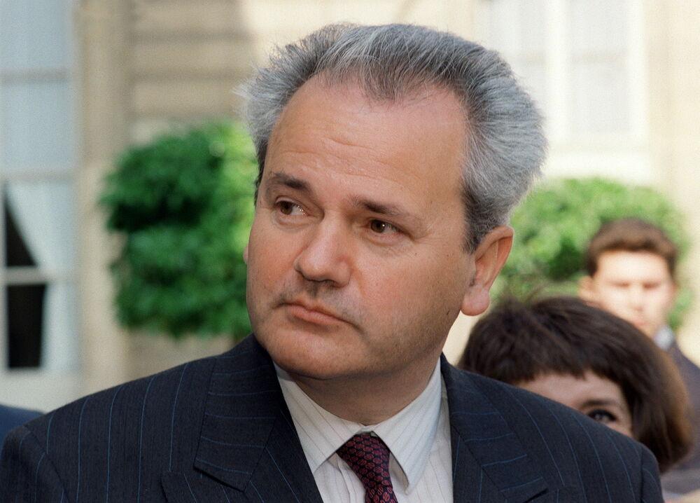 ISPLIVALA-NAJSTROZE-CUVANA-TAJNA-JUGOSLAVIJE-Milosevic-je-imao-aferu-sa-OVOM-poznatom-SRPSKOM-GLUMICOM