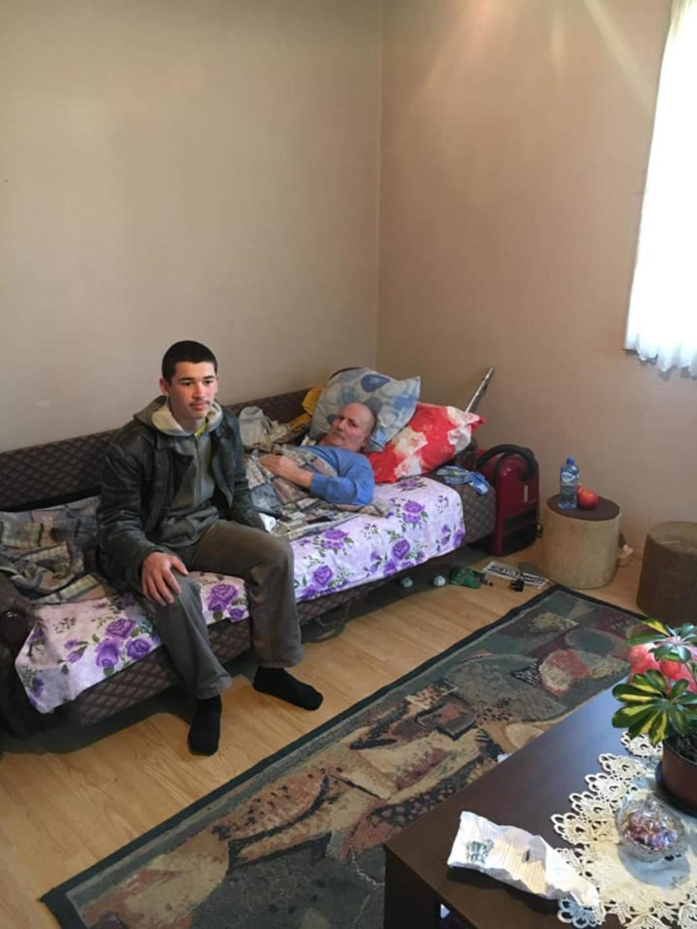 ĐorđeMarković sa nepokretnim ocem Aleksandrom