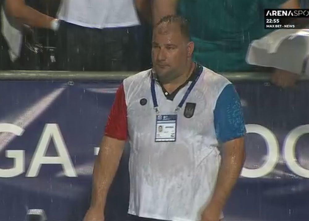 Dejan Savić potpuno pokisao