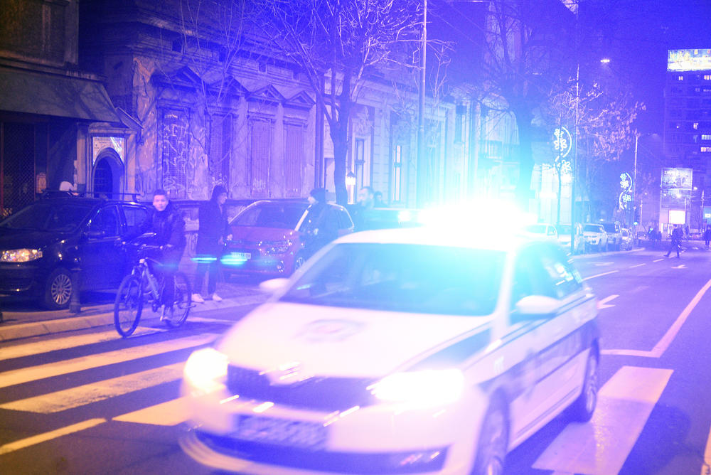 OTKRIVENA POZADINA HORORA NA BEOGRADSKOM SPLAVU! Policajci su razoružali ŽRTVU, napadač prišao i IZBO GA NOŽEM