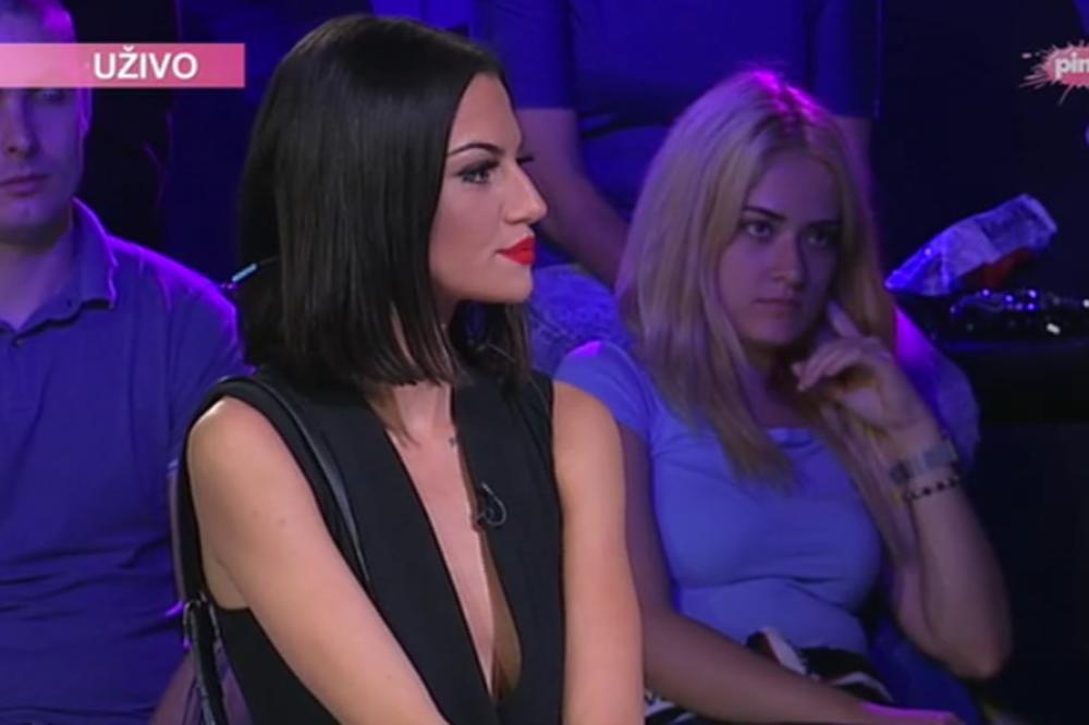 Sex uzivo sa devojkama iz srbije