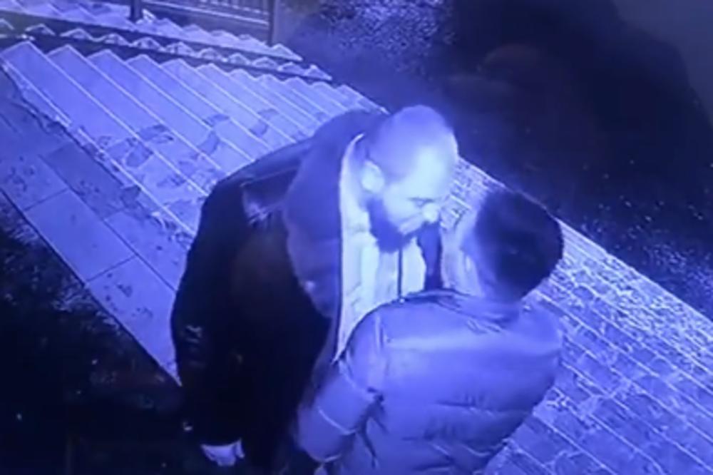 Džinovski bradonja maltretirao dosta sitnijeg muškarca ne znajuči da je u pitanju bokser! (VIDEO)