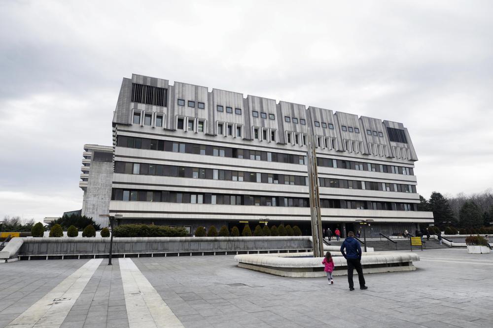 Zabranjene Su Posete I Na Vma Nema Poseta Ni U Vojnim Bolnicama U