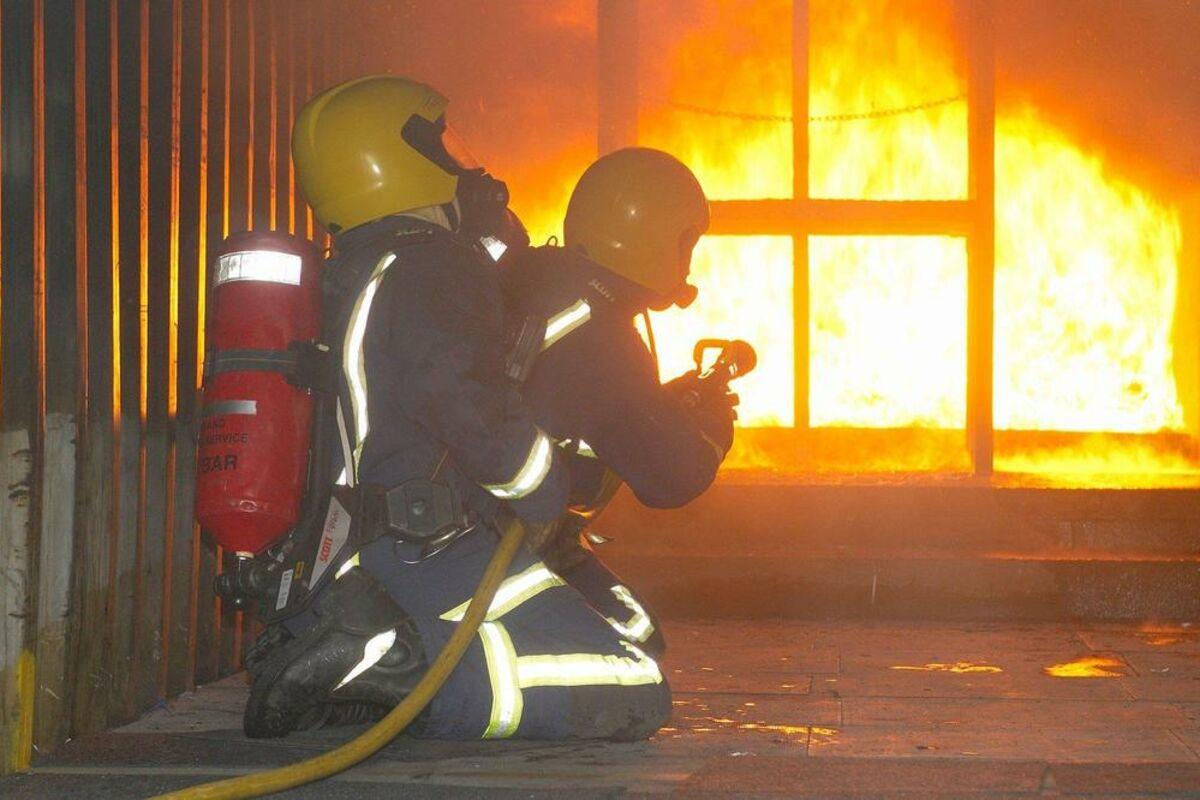 STRAŠAN POŽAR U BORČI: Zapalila se kuća, NASTRADAO muškarac