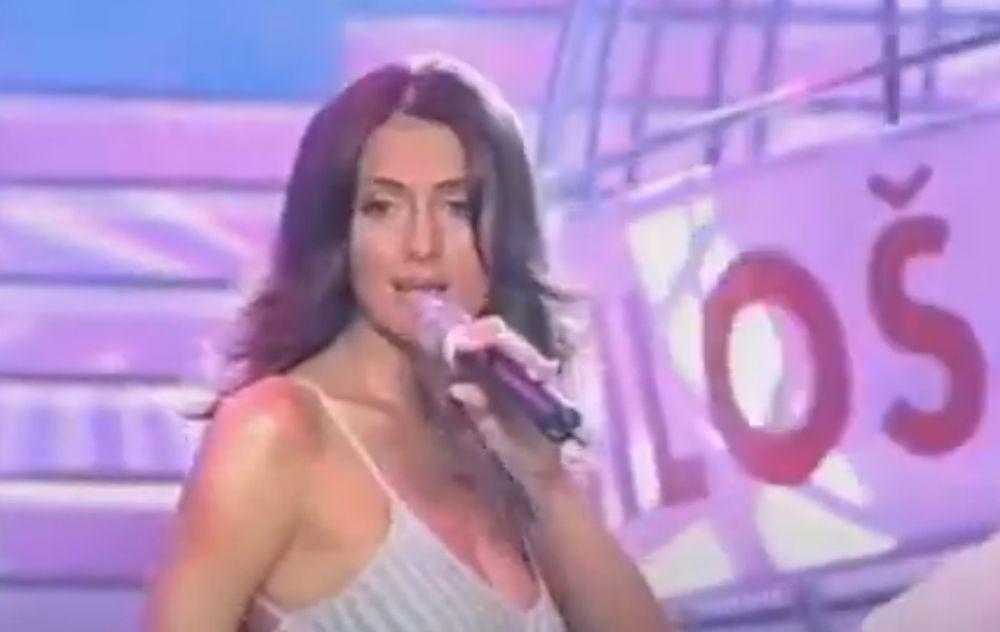 Emina Jahovic na Sunčanim skalama 2003.